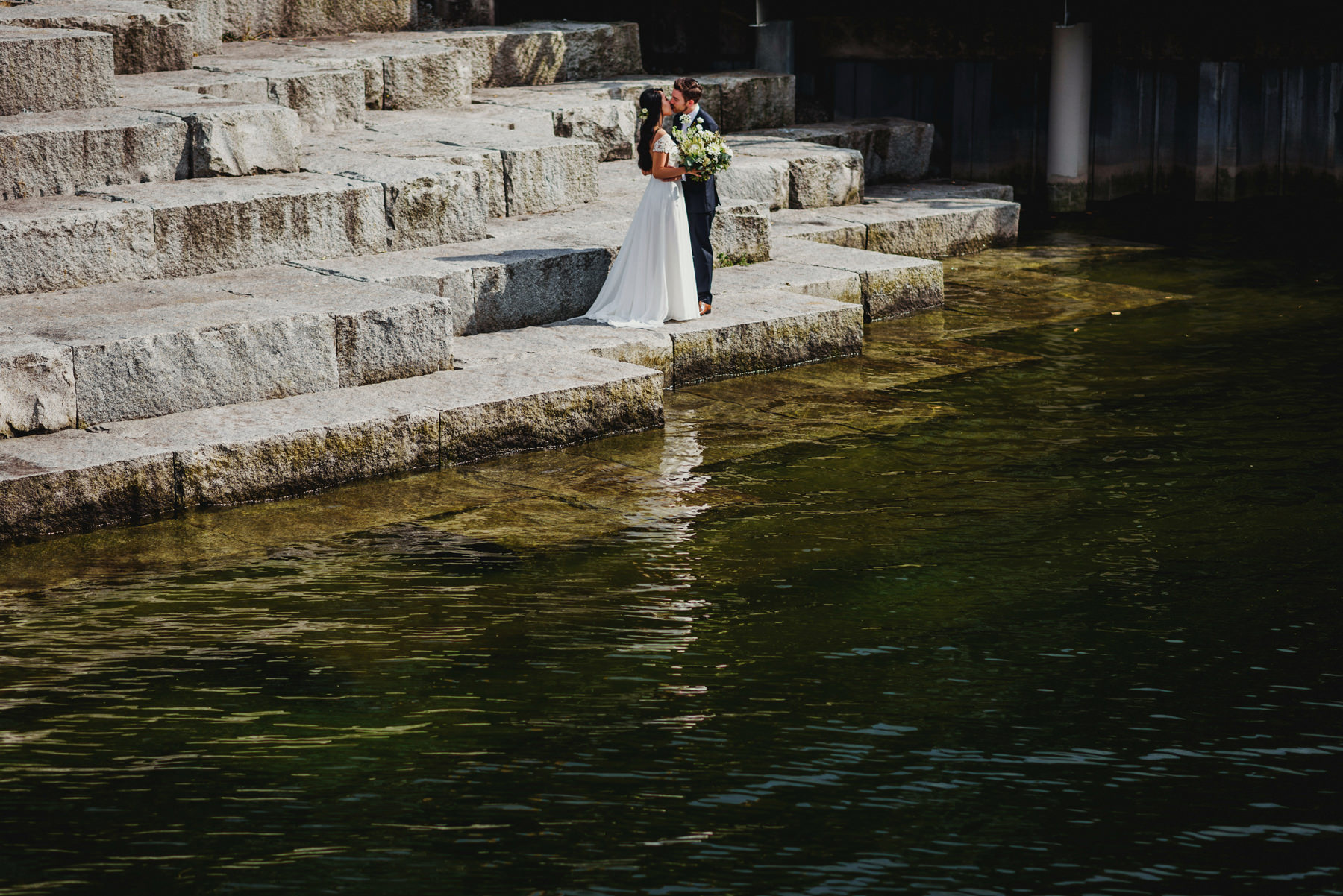 Dr. Sun Yat-Sen Classical Chinese Gardens Wedding Couple Kissing